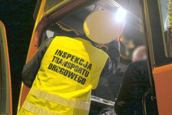 Wszystko, co przewoźnik musi wiedzieć o nowych tachografach. Za ich brak grozi nawet 10 tys. zł kary