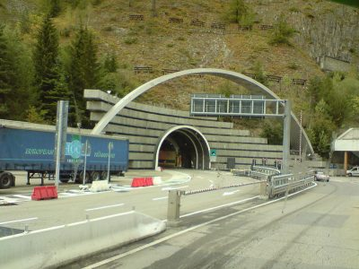 Behinderungen in den Tunneln Mont Blanc und Fréjus