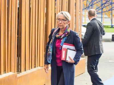 Eko vinjetė įsigalios vėliau nei planuota? Prancūzai nori rinkti mokesčius iš užsienio sunkvežimių