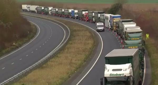 Spedytorzy i przewoźnicy unikają tras do Wielkiej Brytanii. Efekt jest już widoczny – stawki za prze