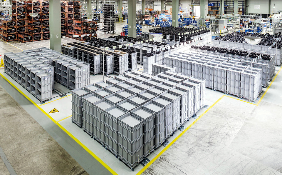 Logistics 4.0 in practice. Warehouse on wheels, or how floor rollers fulfilled the concept of lean production