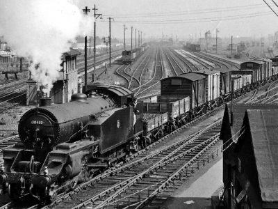 Az áruszállítás története 34. rész – ezért voltak a rendező pályaudvari gurítódombok túlságosan költségesek a vasút számára