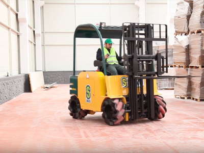 Unusual forklift from Turkey moves sideways and rotates 360 degrees
