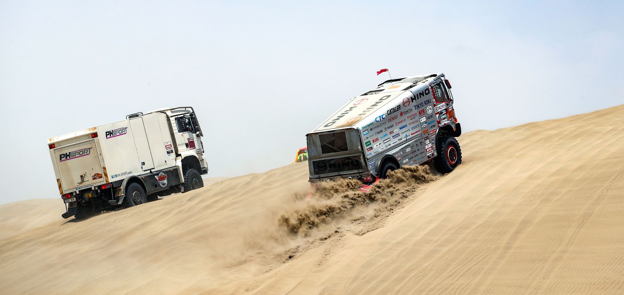 517 SUGAWARA Yoshimasa (jpn); SAKURAI Ahito (jpn); Hino; Hino Team Sugawara; Truck; Camion; action during the Dakar 2019; Stage 6; Arequipa - San Juan de Marcona; peru; on january 13 - Photo Frederic Le Floc'h / DPPI