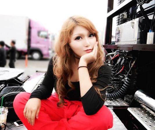 Azjatycka gwiazda transportu. 21-letnia truckerka z Japonii chce być inspiracją dla innych kobiet