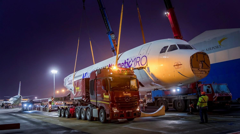 Niecodzienny ponadgabaryt przejechał przez Niemcy. Tak wygląda transport Airbusa