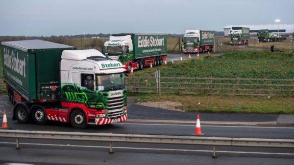 """""""Repetiții"""" pentru Brexit: Autoritățile britanice au testat un scenariu de trafic la Kent, cu 89 de"""