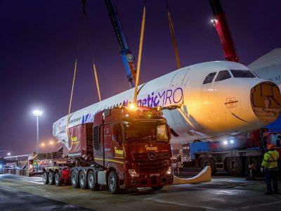 Nepaprastas viršgabaritinis krovinys pervažiavo Vokietiją. Taip atrodo Airbuso transportas