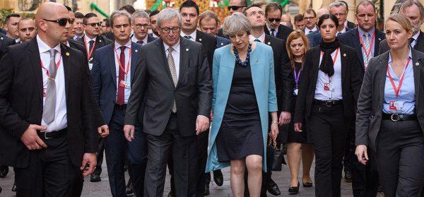 Situație tensionată pentru sectorul european de transport pe fondul lipsei unui acord privind Brexit
