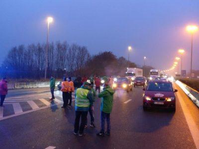 ULTIMA ORĂ: Granițe blocate în Belgia de proteste ale transportatorilor