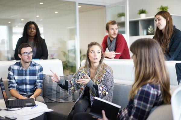 Właściwa polityka personalna decyduje o sprawności operacyjnej firmy. Jak ją tworzyć i mierzyć wydaj