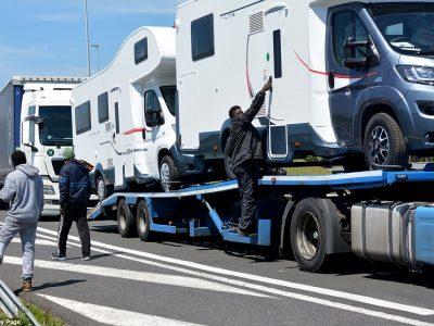 Poliția de Frontieră Română: În 2018 a crescut numărul refugiaților ascunși în camioane