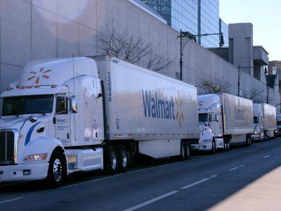 Walmart bietet Truckern ein Jahresgehalt von 87.500 Dollar
