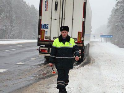 Putyin hadat üzen a külföldi járművezetőknek. Vége a közúti szabályok büntetlen megszegésének.