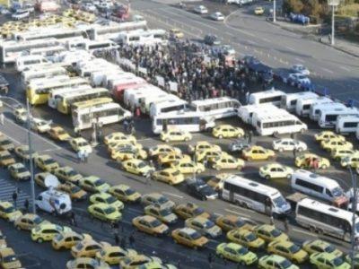 Transportatorii anunță noi proteste mâine în faţa Guvernului