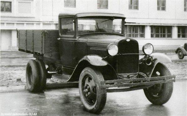 Historia transportu – odc. 53. Ciężarówki dla sowieckiej armii za złoto głodujących
