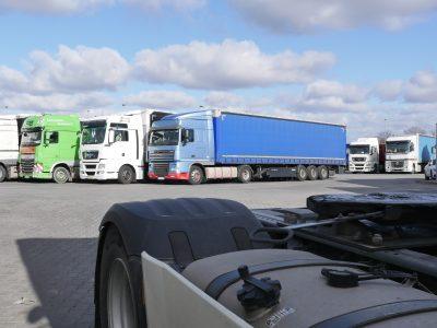 Drastyczny spadek na rynku nowych ciężarówek. Skąd to załamanie?