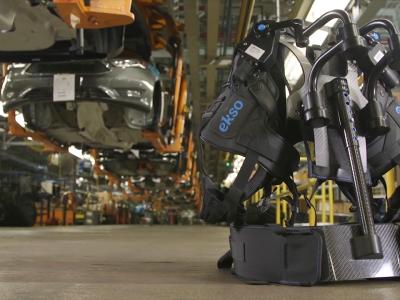 Pracownicy Forda niczym postacie z filmu sci-fi. To nowa rzeczywistość w fabrykach