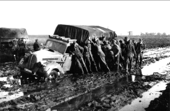 Rosyjskie bezdroża okazywały się nieprzejezdne dla szosowych ciężarówek Wehrmachtu