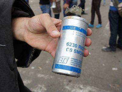 Șofer de camion sancționat pentru folosirea de gaz lacrimogen