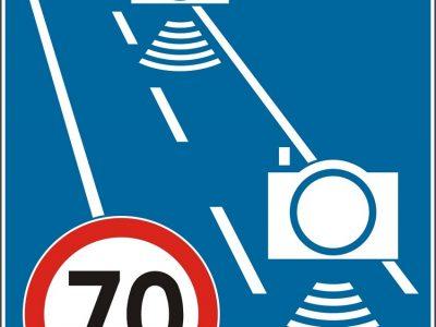 Nauji ženklai Lenkijos keliuose. Jie informuos apie kelio atkarpą, kurioje bus matuojamas greitis