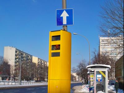 Już jutro na polskich drogach pojawią się nowe znaki o odcinkowym pomiarze prędkości