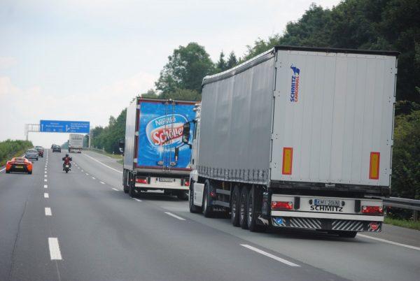 Czeski trucker odpowie za usiłowanie morderstwa. Chodzi o niebezpieczny manewr w trakcie jazdy