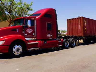 Ciężarówki w Europie niczym amerykańskie trucki? Zmiana prawa może odmienić ich wygląd