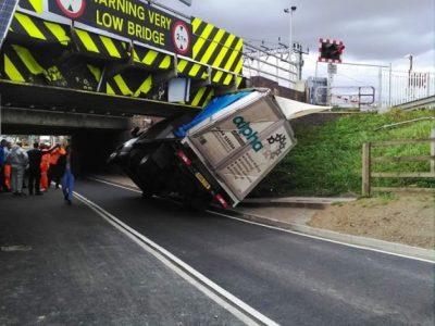 """Podul """"distrugător"""" de camioane a mai făcut o victimă"""