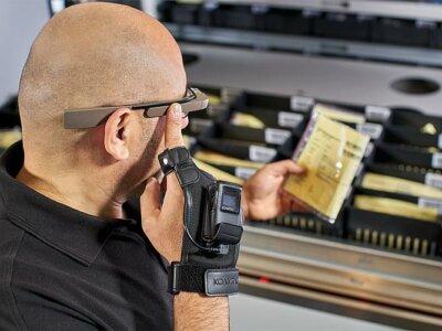 Логистика 4.0 на практике. Как вертикальные системы лифтового типа и перчатка со сканером улучшают работу склада