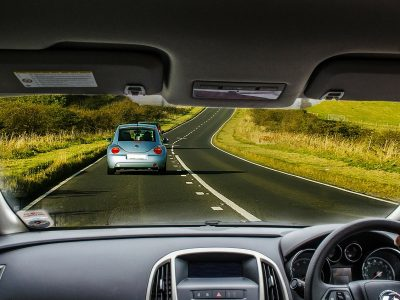 Judgment of the German court: a 2 m distance to a preceding vehicle is not enough. What should be the minimum distance?