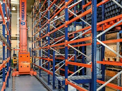 The benefits of the trilateral stacker crane in the warehouse – logistics 4.0 in practice