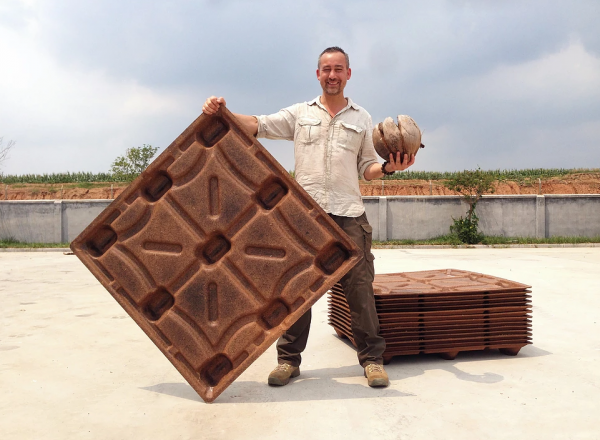 Coconut shells converted into pallets. Unusual idea for the use of waste.