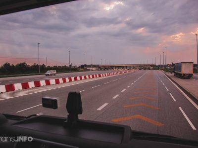 Франция готовится ввести запрет на ночлег в автомобиле для водителей легких коммерческих транспортных средств