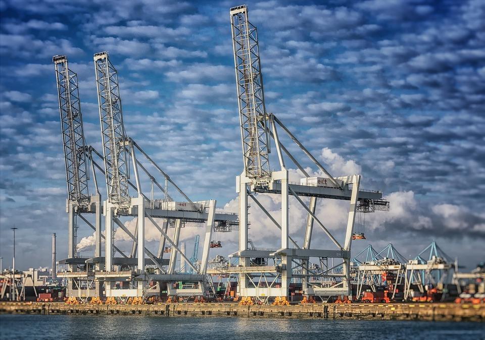 Największy port w Europie zamknięty ze względu na złe warunki pogodowe