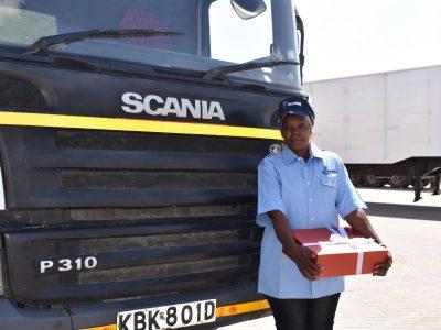 Inspirująca historia z Kenii. Samotna matka trójki dzieci realizuje się zawodowo za kierownicą ciężarówki