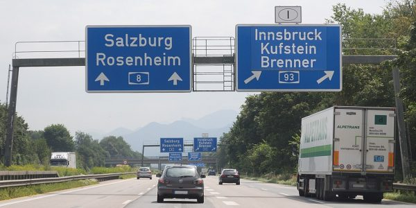 Winter transit bans for trucks in Tyrol already in force