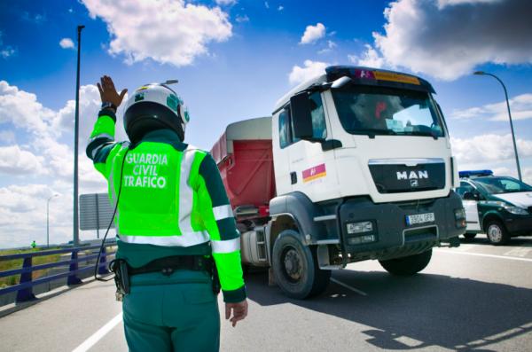 Taip atrodys sunkvežimių vairuotojų savaitinio poilsio kontrolė Ispanijoje