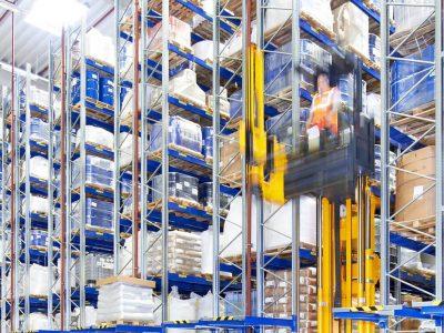 Logistyka 4.0 w praktyce. Regały paletowe sprawdzają się w magazynie typu multi-user