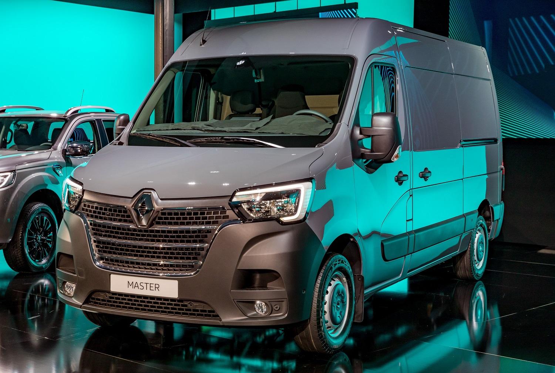 Renault odświeża model Master. Zobacz, jak teraz prezentuje się dostawczak
