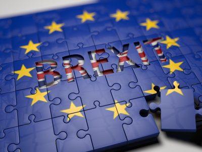 """Artėja kietas """"Brexitas"""". Didžiosios Britanijos parlamentarai vėl atmetė susitarimą su Europos Sąjunga"""