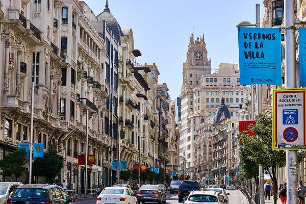 Strefa ekologiczna w Madrycie zawieszona. Kierowcy spoza hiszpańskiej stolicy odetchną