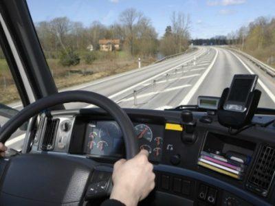 Compensație astronomică pentru un șofer de camion care a fost obligat să lucreze peste program. Acesta ar trebui să reprezinte un semnal de alarmă pentru întreaga industrie