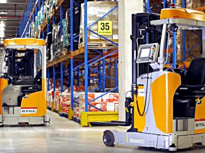 They sell to 11 countries, so they opted for the automation of their distribution centre. Logistics 4.0 in practice.
