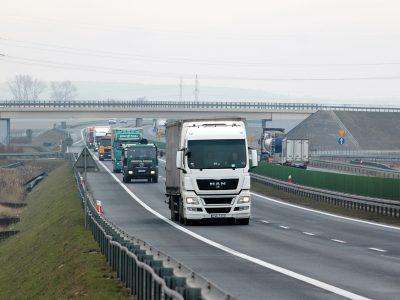 Kijów ogranicza ruch ciężarówek. Sprawdź, kiedy obowiązuje zakaz