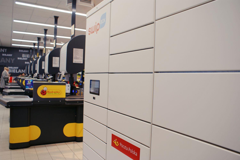 Poczta Polska wchodzi w sieć automatów paczkowych. Sprawdź, gdzie staną pierwsze urządzenia