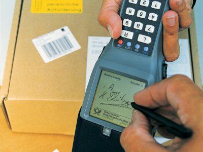 Németországban a teljesítőképességük határán vannak a csomagszállítók