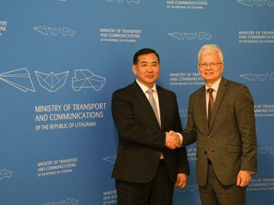 Lietuva ir Mongolija pasirašė susitarimą dėl tarptautinio krovinių vežimo keliais