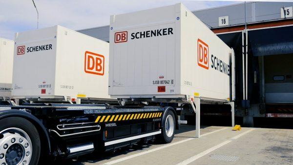 Niemiecki gigant logistyczny tymczasowo zawiesza transport do Wielkiej Brytanii