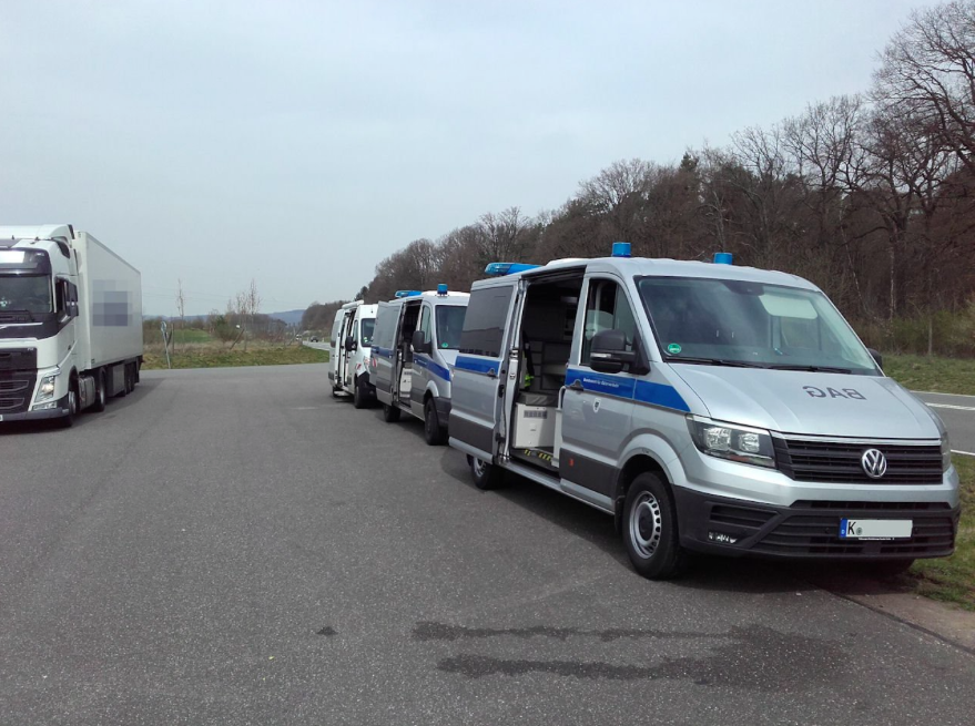 Vokiškos sunkvežimių kontrolės procedūros. Ko vairuotojai turėtų tikėtis iš BAG?